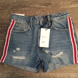 H&M denim distressed shorts NWT